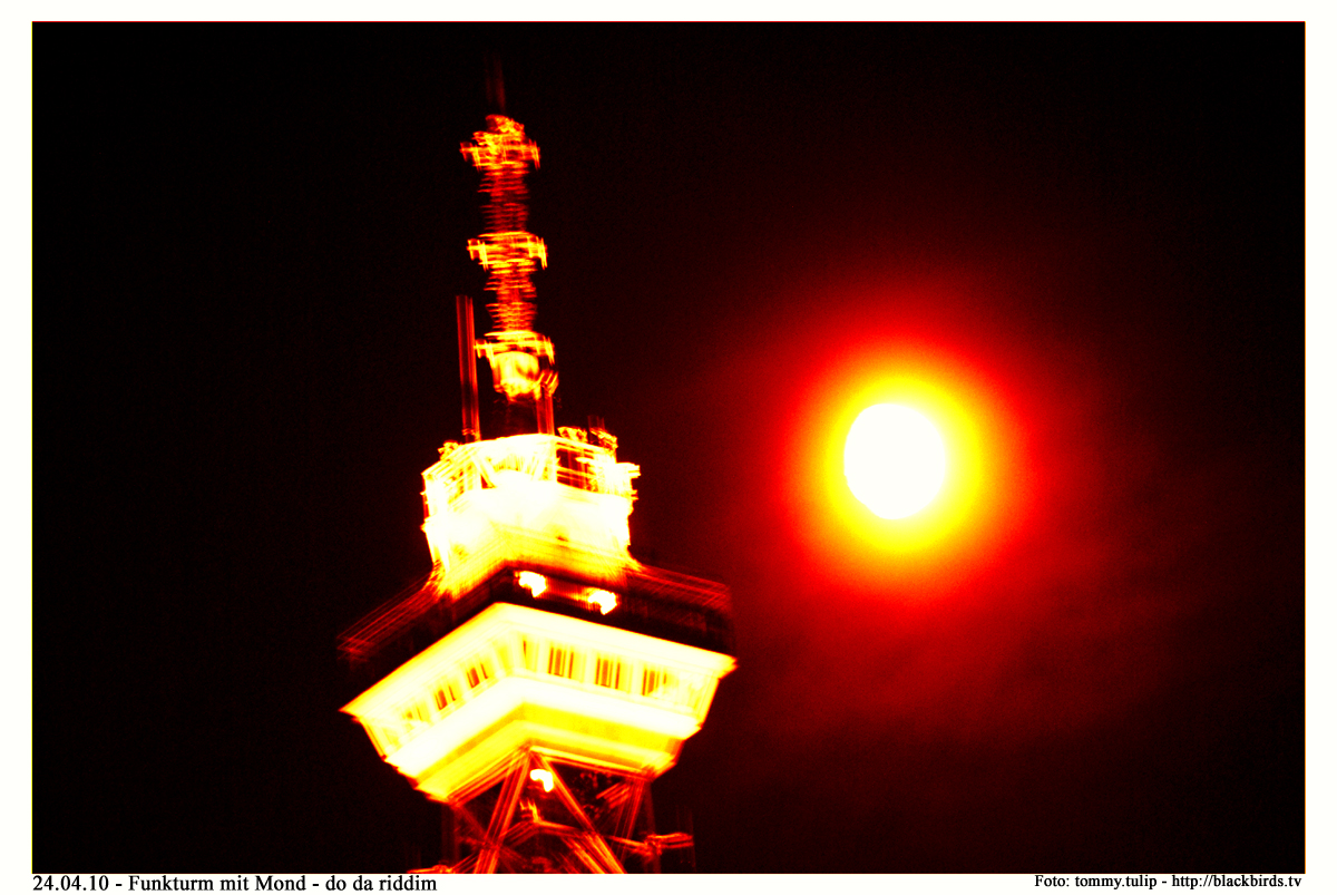Berlin´s Tower of Power - The Funk-Tower & the Moon