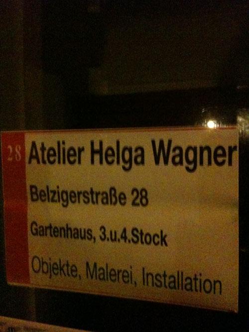 Atelier Helga Wagner, Schild