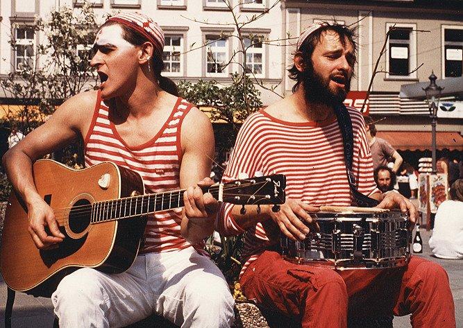 Fliegenpilz.Ära: Straßenmusik im Rahmen einer Deutschland-Tour 1986 in Minden