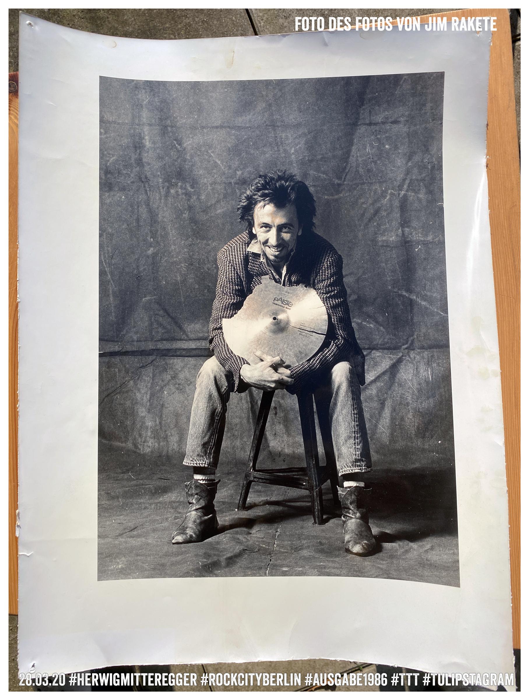 Foto eines Fotos von Jim Rakete © 28.03.20 #HerwigMitteregger #RockCityBerlin #Ausgabe1986 #TTT #Tulipstagram